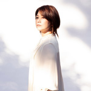 夏川里美 (Rimi Natsukawa)