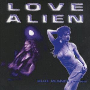 Love Alien 歌手頭像