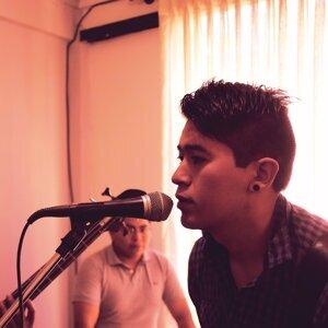 Evia 歌手頭像