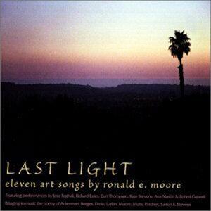 Ronald E Moore 歌手頭像