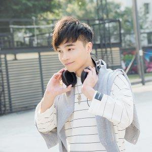 張峰奇 歌手頭像