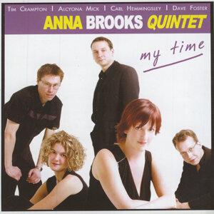 Anna Brooks Quintet 歌手頭像
