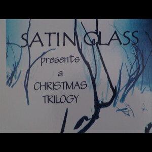 Satin Glass 歌手頭像