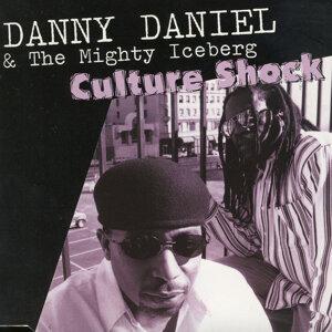 Danny Daniel and the Mighty Iceberg 歌手頭像