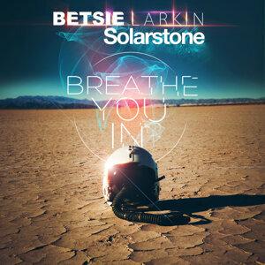 Betsie Larkin & Solarstone 歌手頭像
