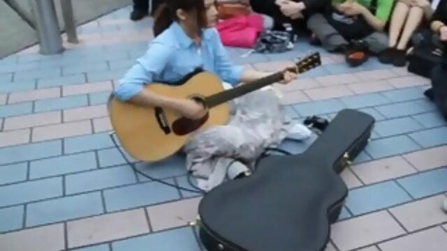 YUI 香港街頭Live表演紀實part 2