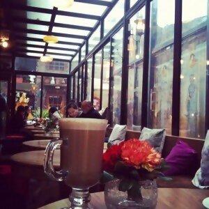喝一杯咖啡 慵懶一個下午