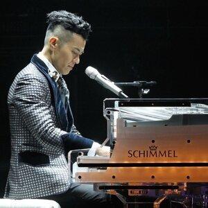 梁漢文「紅館中場表演」演唱會2015
