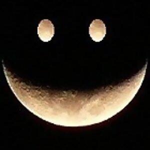 月亮在這裡