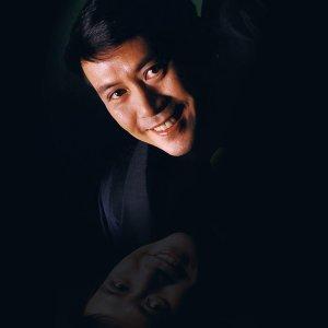 2002.10.18 - 一代樂壇教父羅文因病逝世