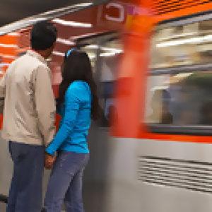 離情依依火車站