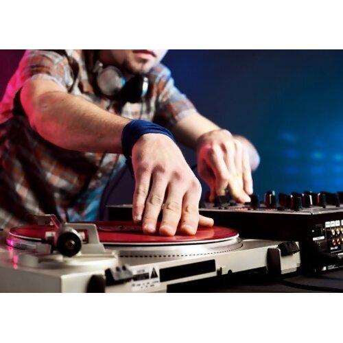 聽DJ翻玩音樂