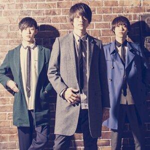 "Japanese piano rock band ""WEAVER"""
