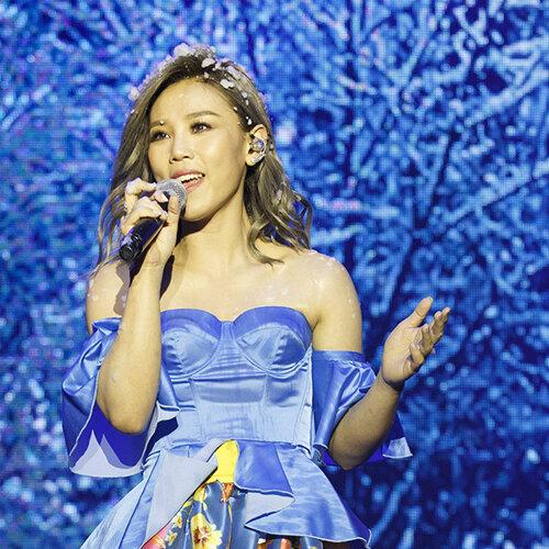 李佳薇〈愛的風暴〉新歌演唱會