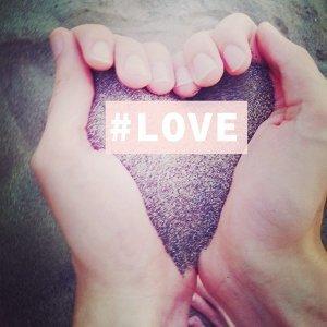 全世界都被拋在外,我只看得見你 #熱戀