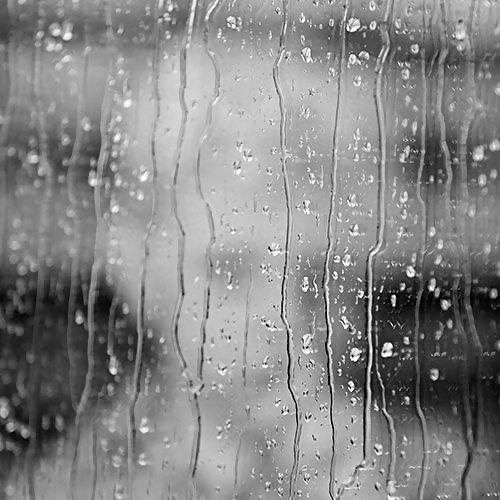 下雨天總掛念從前