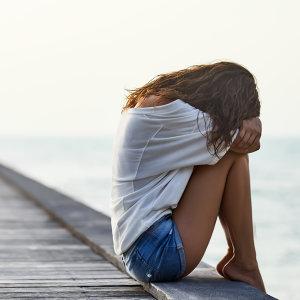大哭一場,讓眼淚沖淡寂寞。