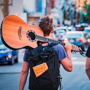 戴上耳機 讓音樂帶著你環遊世界✈️