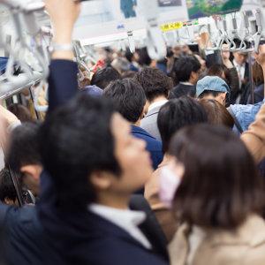 満員電車に打ち克つ音楽