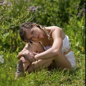 Miley Cyrus Sorotan Lagu
