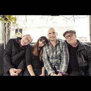 Pixies Sorotan Lagu