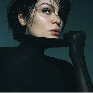 Jessie J Sorotan Lagu
