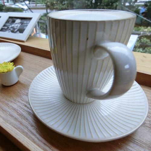 最愛坐在大邱的咖啡店發呆