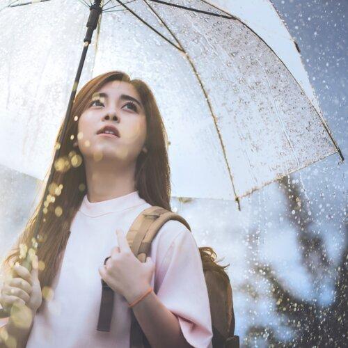 在雨天聽下雨的歌