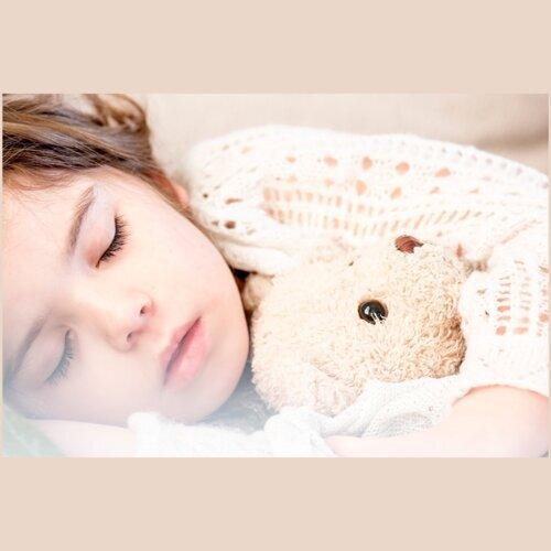 失眠時飛到軟綿綿的雲朵上睡覺
