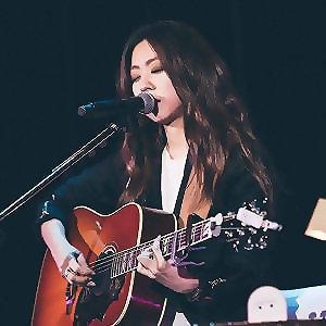 陳綺貞與吉他:助眠的寧靜旋律