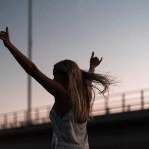 跨出步伐、勇敢追夢!就讓這些歌曲幫你打氣!