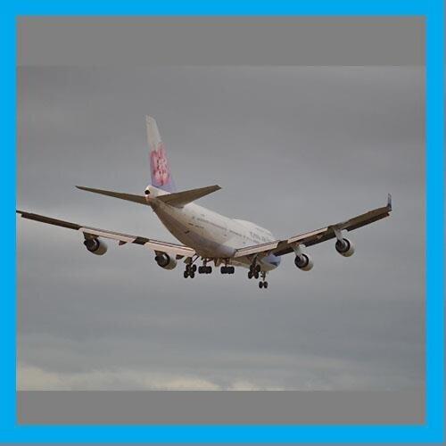 搭上飛機,飛吧!!