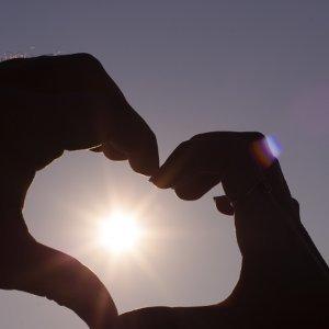 戀愛是幼稚、調皮加一匙率真
