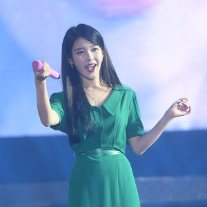 """IU Tour Concert """"Palette"""" 香港站"""