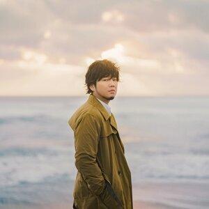 Motohiro Hata (秦 基博) Sorotan Lagu