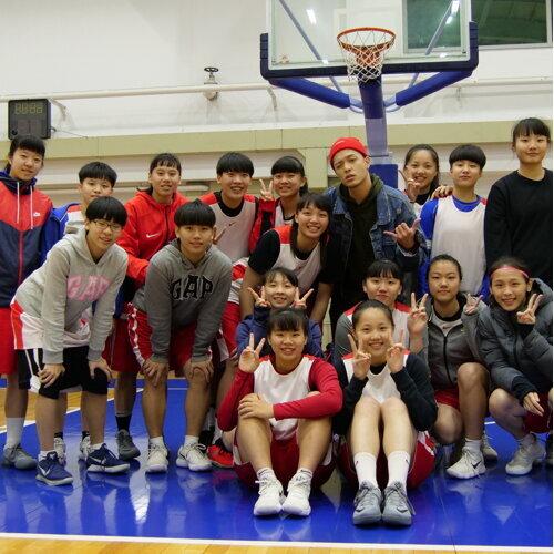 滬江高中女籃隊員都聽這些歌