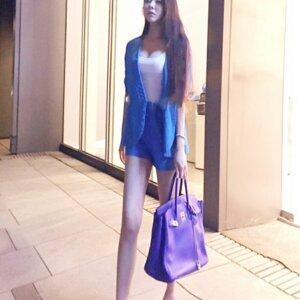 ):(閨蜜們):(下班後一起去美麗華商場逛逛):(