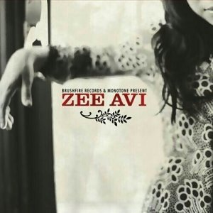 𝟇grinning𝟇 Zee Avi (季小薇)