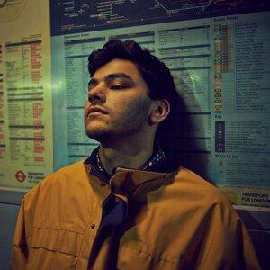 Jamie Isaac-聲線如羽毛般輕柔的R&B男聲