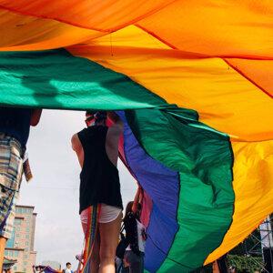 用彩虹的力量溫柔陪伴 1124你不孤單
