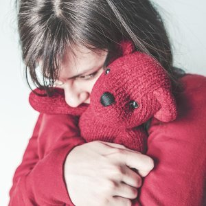 只是想好好被抱一抱  夜深人靜時來點療傷暖心歌曲
