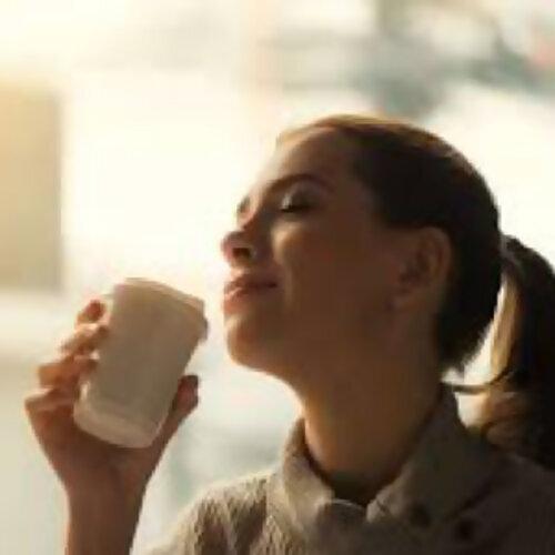 慵懒的午后咖啡时光