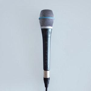 演得好,唱得更好!