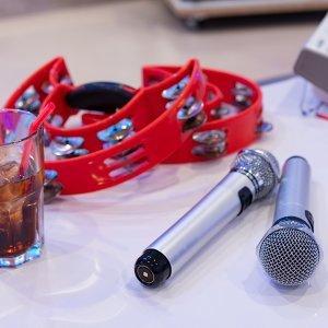日本男女老少卡拉OK必唱的 14 首歌