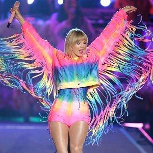 千變萬化的泰勒絲!聽 Taylor Swift從鄉村公主蛻變成流行天后的主題曲