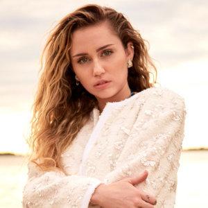 跨界流行天后 麥莉 Miley Cyrus 生日快樂!