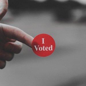 返鄉投票起伏不定的心