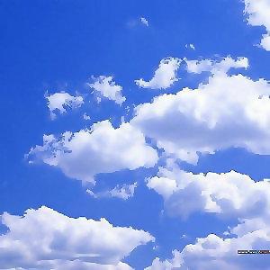 抬頭看天空