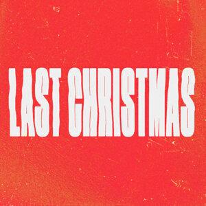 CHRISTMAS AYEE🎄🌟❄️🥂🎅🏻