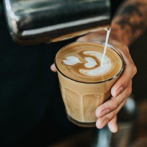 不插電咖啡館:獨享一杯慵懶與純粹☕